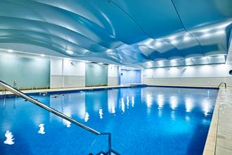 Gym Swimming Pool Classes Try Dw Fitness First Gyms For